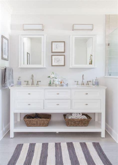 White Vanity Bathroom Ideas by Best 25 White Vanity Bathroom Ideas On White