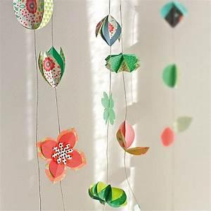 Guirlande De Photo : fabriquer une guirlande de papier en origami marie claire ~ Teatrodelosmanantiales.com Idées de Décoration