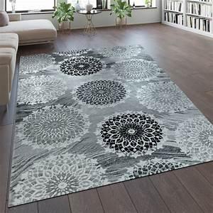 Teppich Grau Silber : designer teppich mandala muster silber grau orientteppiche ~ Markanthonyermac.com Haus und Dekorationen