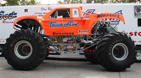 bigfoot monster truck video summit racing bigfoot 174 and trick flow bigfoot 174 monster