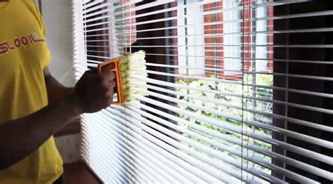 clean  blinds  curtains