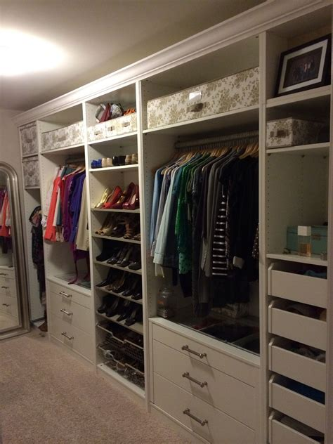 Ikea Spiegeltür Pax by Ikea Pax In The Master Closet Look At The Crown Molding