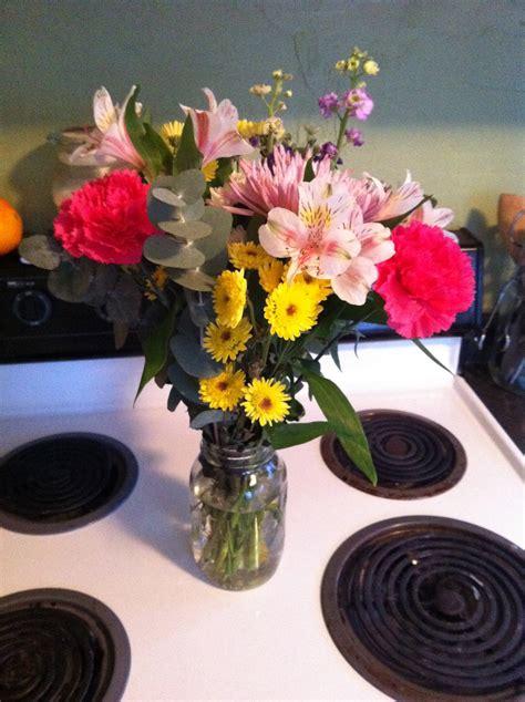 flowers in a vase make cut flowers last longer