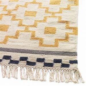ikea rhabille mon salon avec des textiles fous fous fous With tapis en laine ikea