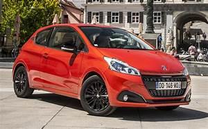Rappel Constructeur Peugeot 208 : essai peugeot 208 1 2 puretech 110 ch 2015 l 39 automobile magazine ~ Maxctalentgroup.com Avis de Voitures