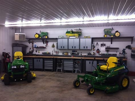 Lovely-gladiator-garage-decorating-ideas-for-garage-and