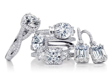 Lavalier brings an equal commitment to service, value and simplicity to helping you protect your precious jewelry, with. Triangle Cut Diamonds   DiamondCuts.com