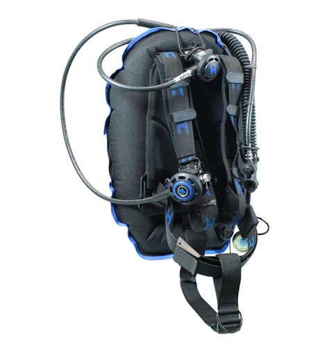 Halcyon Dive Equipment by Halcyon Traveler