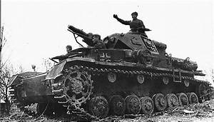 Soviet tankers in German tank PzKpfw IV | World War II ...