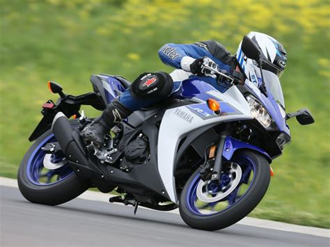 2015 Yamaha Yzf-r3 First Ride Review