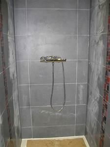 Carrelage De Douche : silicone et joints de la salle de bain la construction ~ Edinachiropracticcenter.com Idées de Décoration