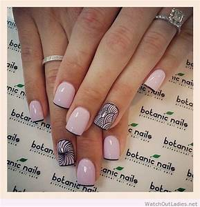 Botanic nails light pink and black details – Watch out Ladies