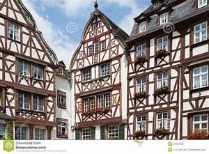 Häuser Im Mittelalter : mittelalterliche h user in bernkastel deutschland ~ Lizthompson.info Haus und Dekorationen