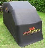 Idee Cadeau Moto : id e cadeau abri pour moto stormprotector et bike home ~ Melissatoandfro.com Idées de Décoration