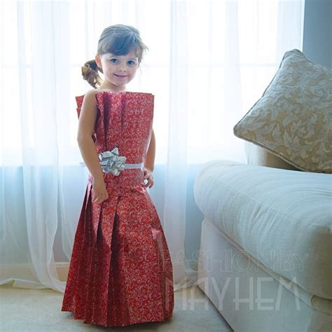 year  girl creates stylish paper dresses    mother