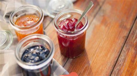 pourquoi faut il retourner les pots de confiture comment faire une confiture de poire et d orange desserts cuisine vins