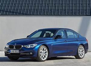 Bmw 318 I : bmw 3 series 2018 318i in uae new car prices specs reviews photos yallamotor ~ Medecine-chirurgie-esthetiques.com Avis de Voitures