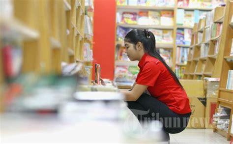 toko buku gramedia berkonsep mal segara dibuka
