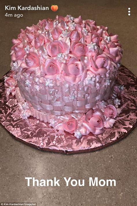 kris jenner gifts kim kardashian pink cake  hansens