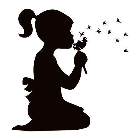 cuisine bébé sticker mural fille qui souffle sur un pissenlit gt décomotif