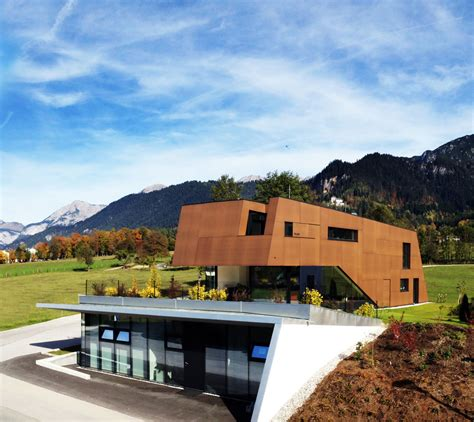 Physical Therapist´s Practice Merged With Modern Home In
