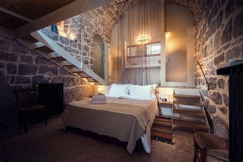 Rustic Bedrooms : 15 Wicked Rustic Bedroom Designs That Will Make You Want Them