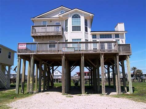 images  texas beach houses  pinterest beach houses beach vacation rentals