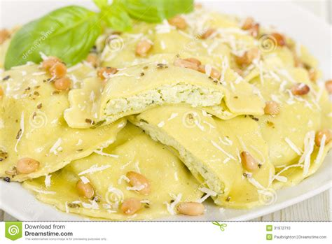 pasta ravioli fillings ravioli stock photo image 31972710
