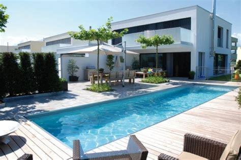 Modernes Haus Mit Garten by Haus Modern Mit Pool Haus Modern Mit Poolmodernes Haus Mit