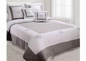 Dessus De Lit Boutis : couvre lit boutis gris blanc peaceland pour lit de 90 140 160 180 ou 200 cm ~ Teatrodelosmanantiales.com Idées de Décoration