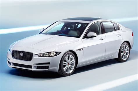 Jaguar Car : 2017 Jaguar Xe Reviews And Rating