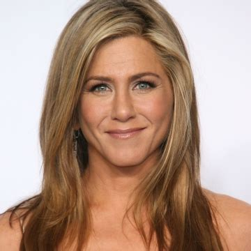 how to style hair like aniston 25 years of aniston s hair stylecaster 2297
