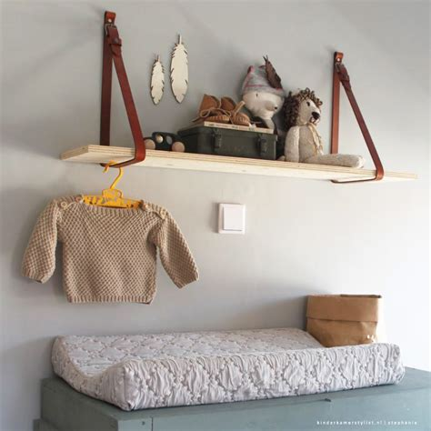 kinderkamer decoratie hout wandplank zelf maken