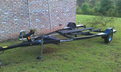 19 Ft Boat Trailer by 16 19 Ft Triton Bass Boat Trailer 1250 00 The Hull