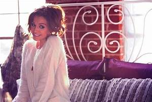 """Cher Lloyd Premieres Official Video For """"Want U Back ..."""