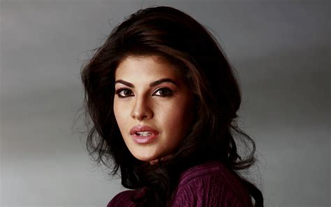 Action On Camera Jacqueline Fernandez, Murder2 Actress