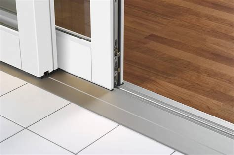 Barrier free magnetic door seals for external plastic and