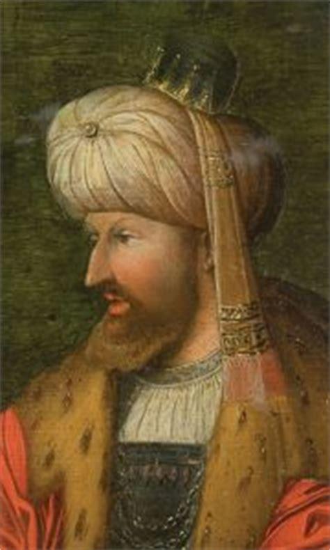 Başta i̇stanbul olmak üzere birçok şehirde 500'den fazla mimari eser yaptırıldı. Fatih Sultan Mehmet   Mehmed the Conqueror