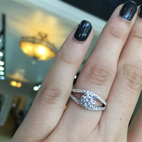 want to find the ring take this engagement ring style quiz now raymond jewelers