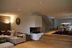 Treppe Im Wohnzimmer : die besten 17 ideen zu treppenstufen holz auf pinterest ~ Lizthompson.info Haus und Dekorationen