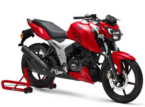 The vibration can be felt in the new model in the low rev range. TVS unveils stylish Apache RTR 160 4V 2018 with 4-cylinder engine