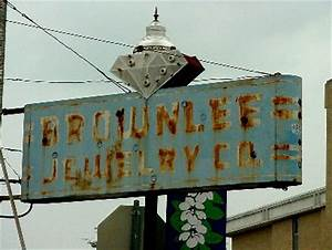 Old Neon in Texas