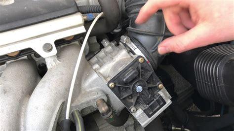 pkw drosselklappe reinigen im eingebautem zustand mit