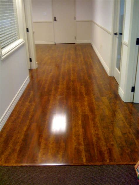 linoleum flooring sale interior alluring lowes linoleum for mesmerizing home flooring ideas skittlesseattlemix com