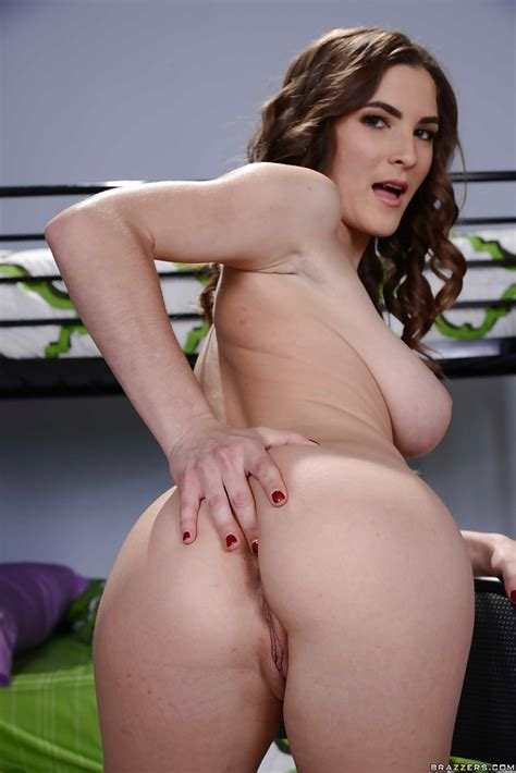 Beautiful Busty Teen Molly Jane Showing Off Her Trimmed