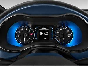 Image  2016 Chrysler 200 4