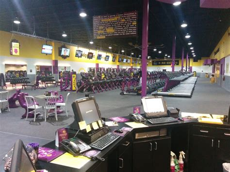 red light therapy bed planet fitness planet fitness joliet 10 photos gyms 2852