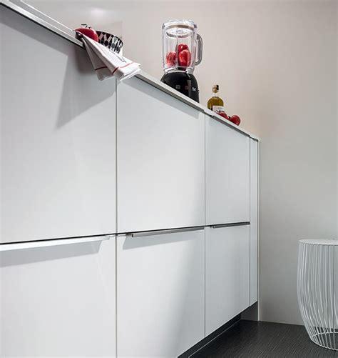 charnieres meubles cuisine poignées meubles cuisine mobalpa cuisine idées de