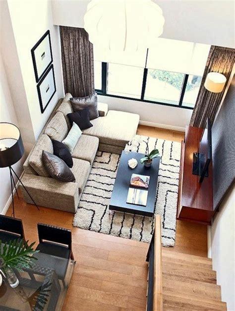 amenager un salon en longueur 1001 id 233 es pour am 233 nager une chambre en longueur des solutions petits espaces canap 233 beige