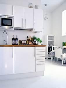 Küche Gemütlich Einrichten : kleine k chen einrichten kleine r ume stellen die kreativit t auf die probe ~ Markanthonyermac.com Haus und Dekorationen